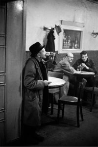 019 BEERLOWSKY_JÜRGEN SHADEBERG A Drink & a Smoke 61 .tiff copia